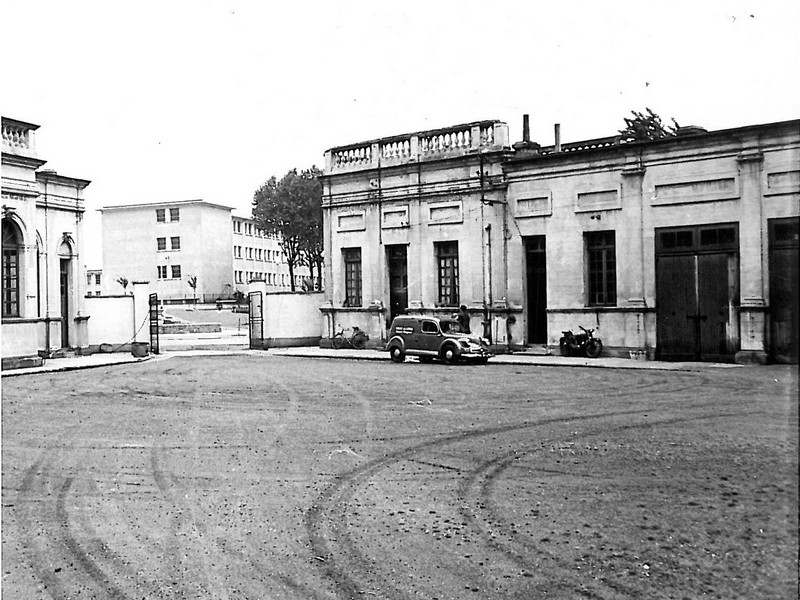 caserne195001archville.jpg